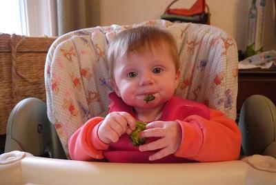 Lilli and her broccoli