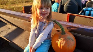 Lilli on hayride